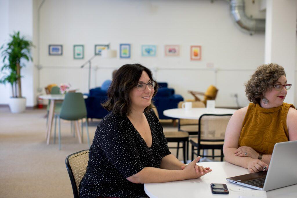 Vrouwen actief in een bijeenkomst over leefstijl